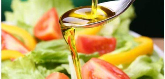 オリーブオイルとサラダ油の違いとタイプ別の味