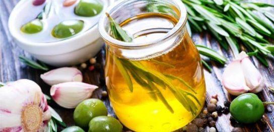 オリーブオイルの栄養成分と食べるオリーブオイルランキング