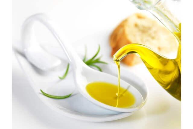 オリーブオイルの体への効果と上質なオリーブオイルを選ぶコツ