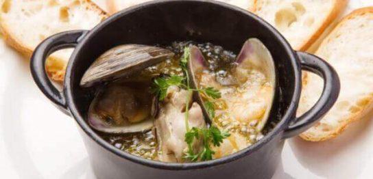 オリーブオイルと相性抜群のストウブの魅力と簡単お肉料理のレシピ